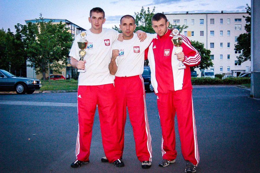 Międzynarodowy turniej Muay Thai Leinefelde 2007. Zdjęcie pamiątkowe po zawodach