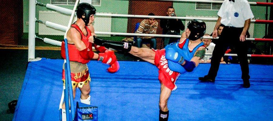 Mistrzostwa Polski Muay Thai Warszawa 2006. Walka półfinałowa Janusza Janowskiego