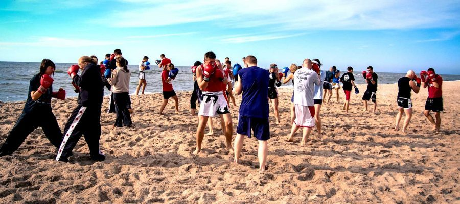 Obóz Muay Thai Łazy 2007. Trening na plaży