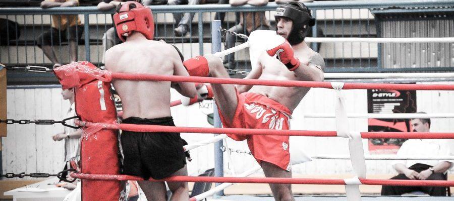 Puchar-Swiata-Kickboxing-Szeged-2006-04-Walka-polfinalowa-Muay-Thai-J-Janowskiego-z-reprezentantem-Ukrainy