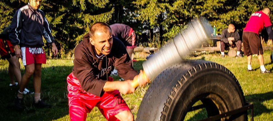 Zgrupowanie Kickboxing i Muay Thai Przechyba-2006-06-trening-na-polanie-J-Janowski