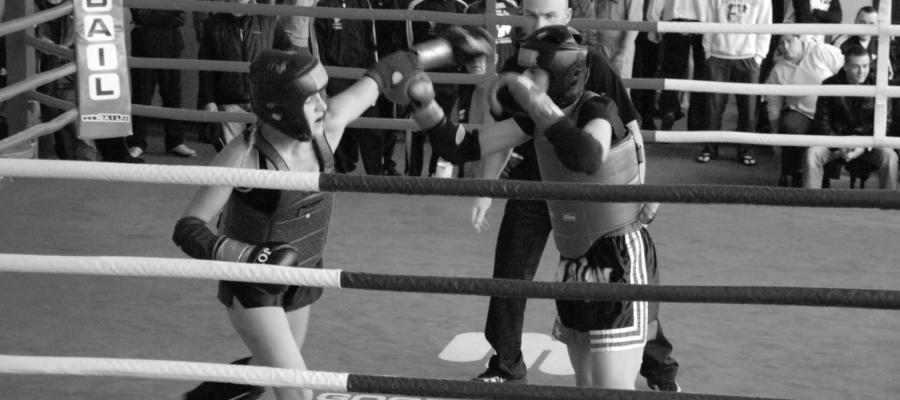 Turniej Pierwszych Walk Muay Thai w Sieradzu 2006. Zwycięska walka Doroty Drużko