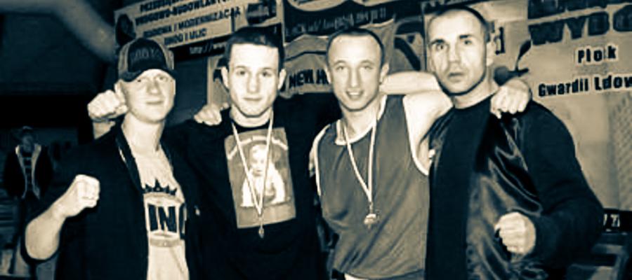 Mistrzostwa Polski Muay Thai Łąck 2008. Zdjęcie pamiątkowe po zakończeniu zawodów