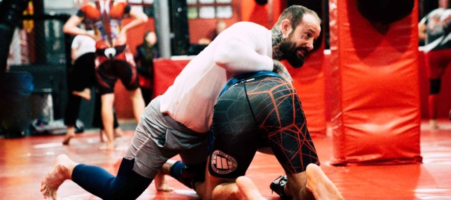 Treningi zapasów pod MMA
