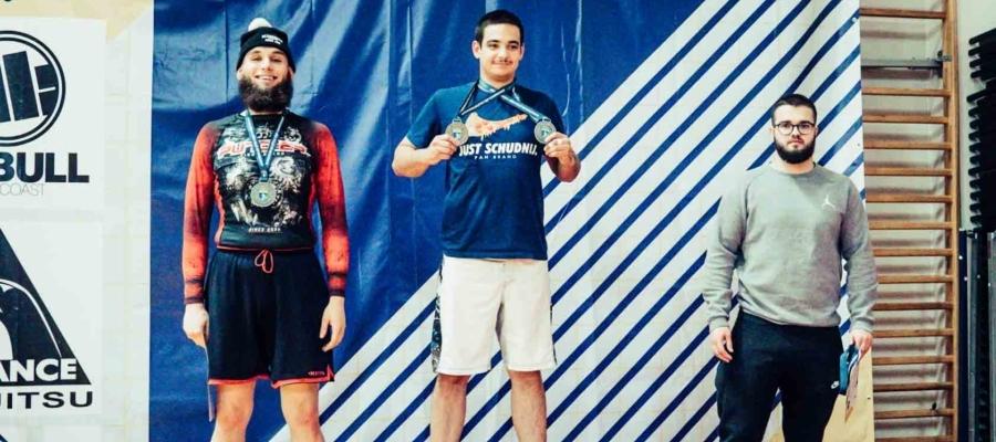 VI Mistrzostwa Europy BJJ 2020. Borys Dzikowski na podium